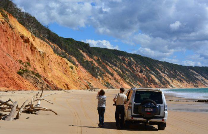noosa-4wd-tours-coloured-sands-cliffs